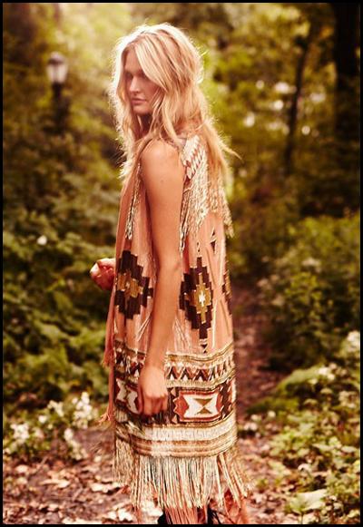 estetica-hippie-chaleco-con-flecos